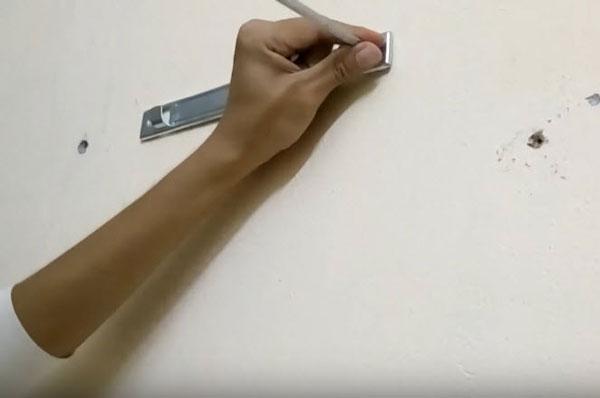 lắp đặt và thay thế đèn sưởi phòng tắm