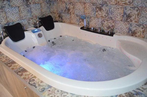 Nguyên lý hoạt động của bồn tắm massage