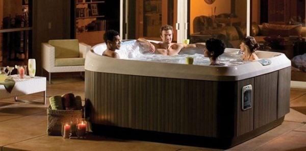 Bồn tắm massage hiện rất phổ biến trên thị truonwgf