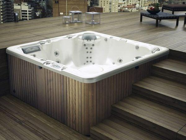 Vệ sinh bồn tắm spa