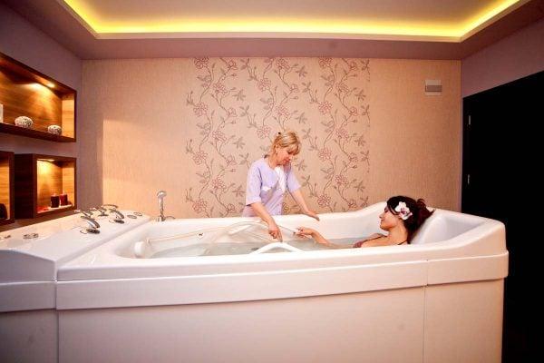 lợi ích khi sử dụng bồn tắm massage