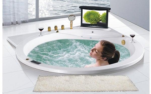 Bồn tắm massage giúp người dùng thư giãn
