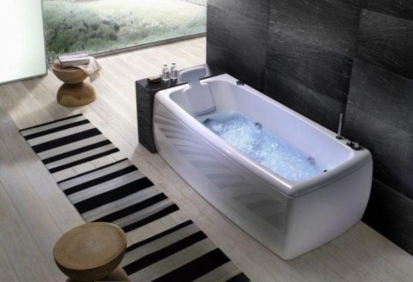 bồn tắm nằm giúp thư giãn