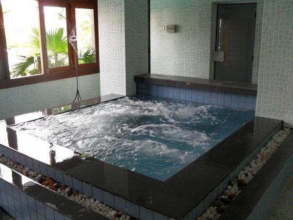 Kinh nghiệm lựa chọn bồn tắm massage tập thể tốt nhất dành cho bạn
