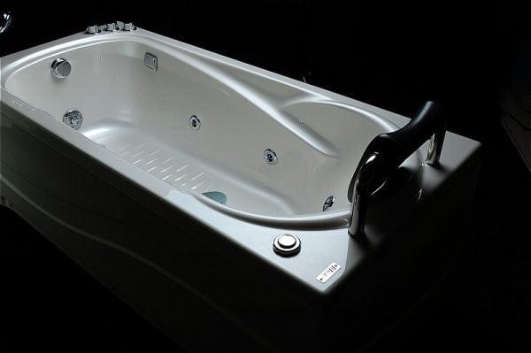 làm sao để lựa chọn đc bồn tắm massage micio