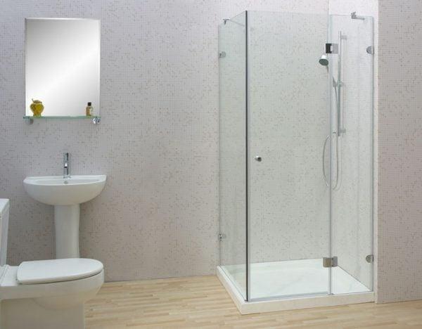 Vách tắm kính cường lực có độ bền và an toàn cao
