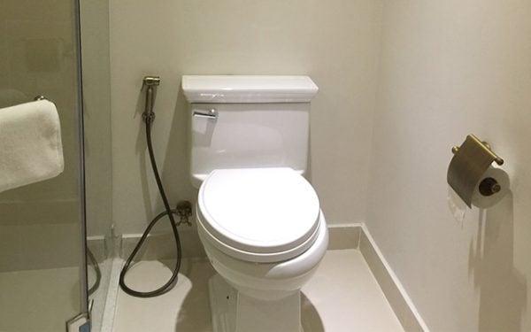 Cách lắp đặt vòi xịt vệ sinh rất đơn giản