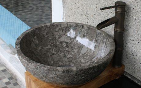 Tủ chậu nhà tắm lavabo bằng đá được lắp đặt như thế nào?