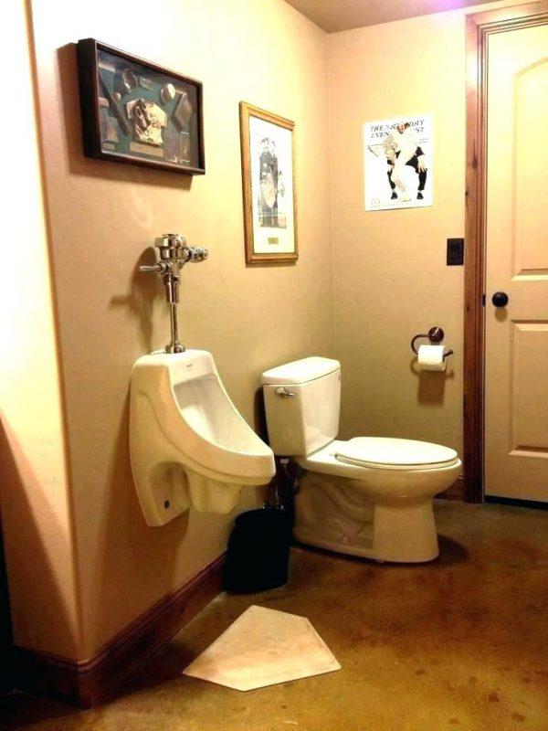 Bồn tiểu nam được lắp đặt trong nhiều không gian nhà vệ sinh