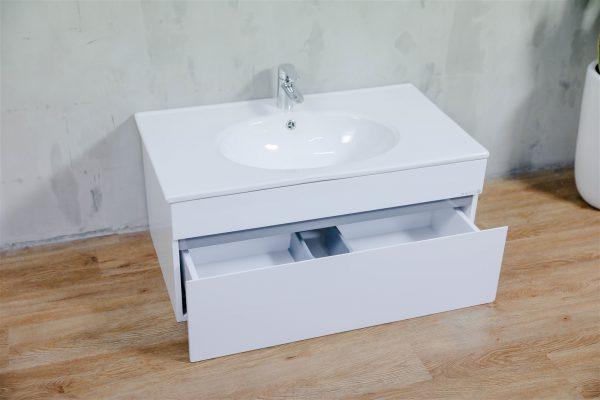 Có rất nhiều các thiết bị tủ và chậu rửa mặt cho bạn dễ dàng lựa chọn