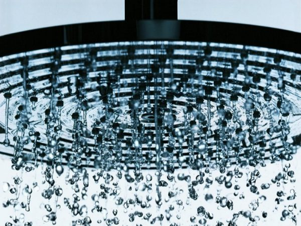 Lựa chọn sen cây tắm âm tường theo kích thước của không gian