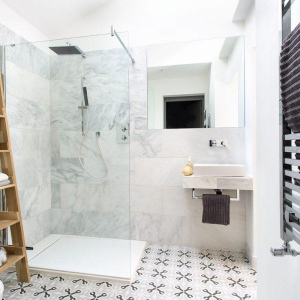 Vì sao phụ kiện phòng tắm inox được nhiều người tin dùng hiện nay?