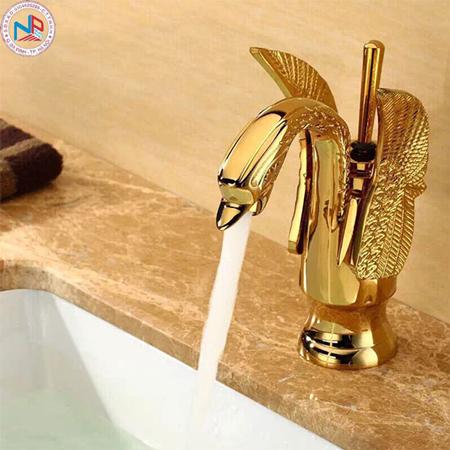 Vòi rửa lavabo mạ vàng HCG HM-016 Gold