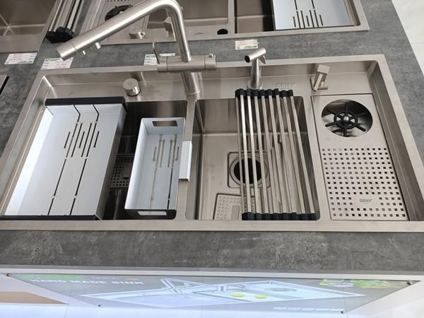 Vòi rửa bát Geler GL 3063 nóng lạnh