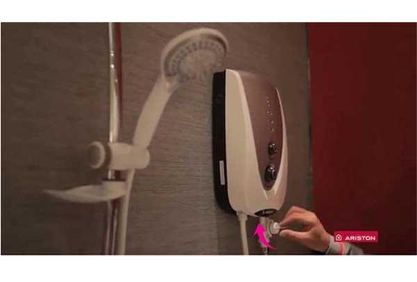Cách sử dụng máy nước nóng Ariston trực tiếp 3