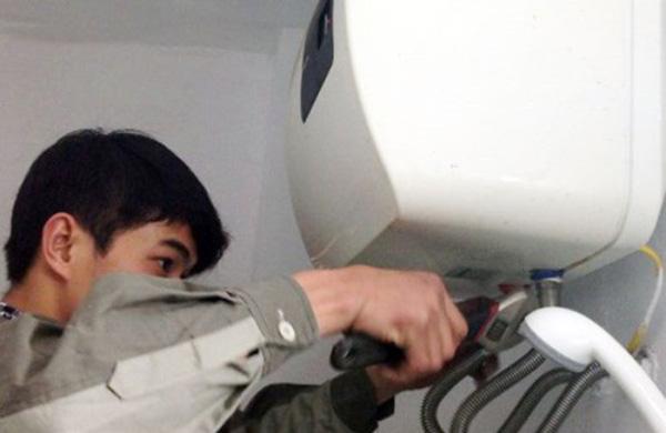 Cách tháo bình nóng lạnh tại nhà chi tiết nhất