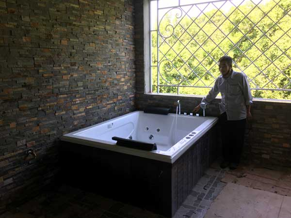 Bồn tắm massage Sewo E-1054